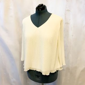 🌼2/$22🌼 Flowy Formal Top with Beading